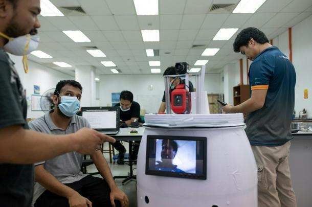 'Medibot' hará rondas en salas de virus de Malasia - 3d8fd4b photo1 610